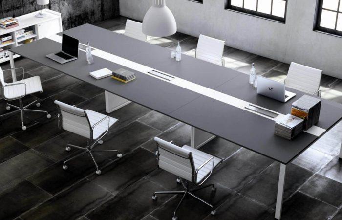 Mesa de reuniones Adapta Plus para juntas y consejos