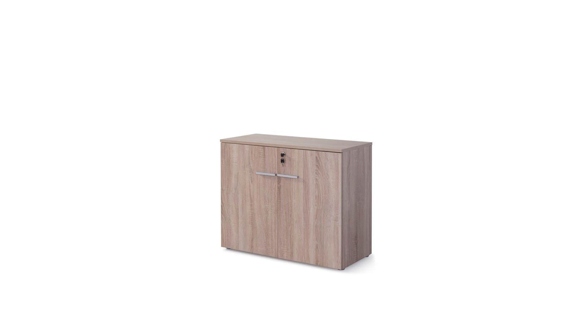 Armario bajo para oficina con cerradura color madera