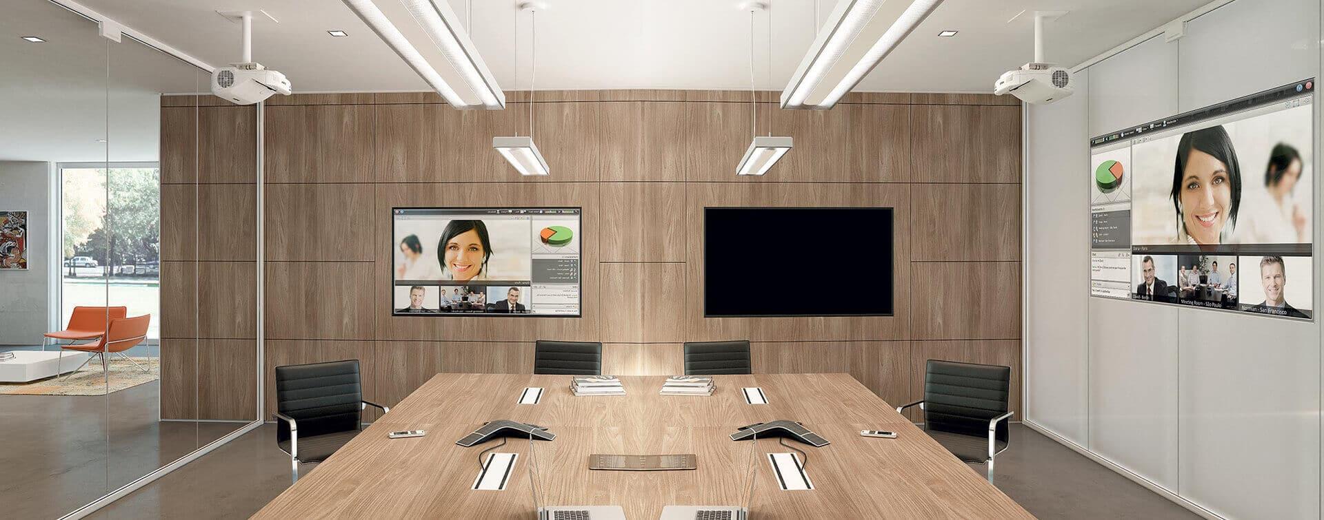 Divida sus espacios de oficina con mamparas. Fácil sin obras.