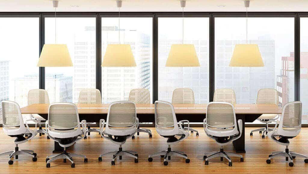 Una silla de oficina que ayuda a dar el primer paso