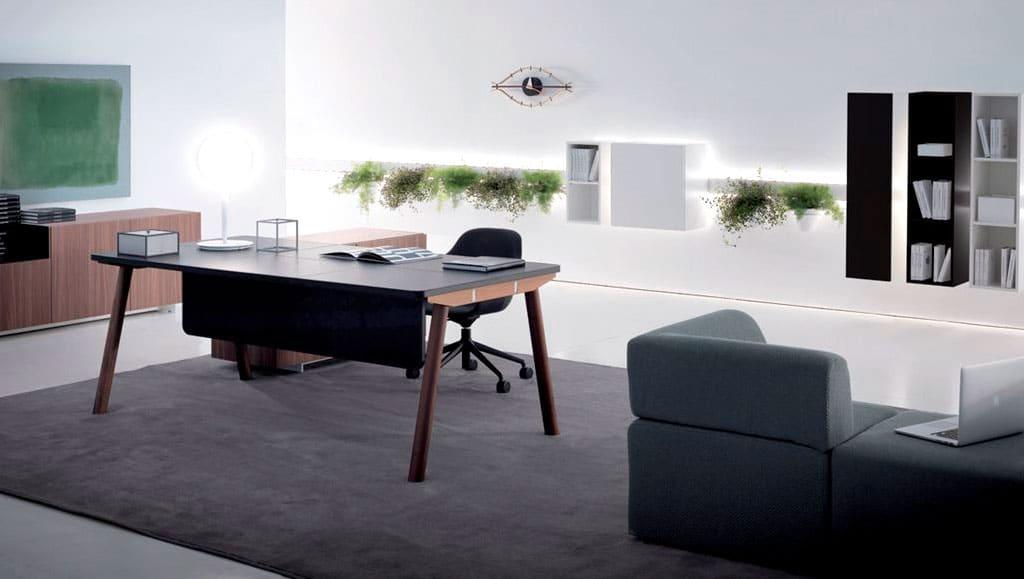 Mesa de despacho de dirección