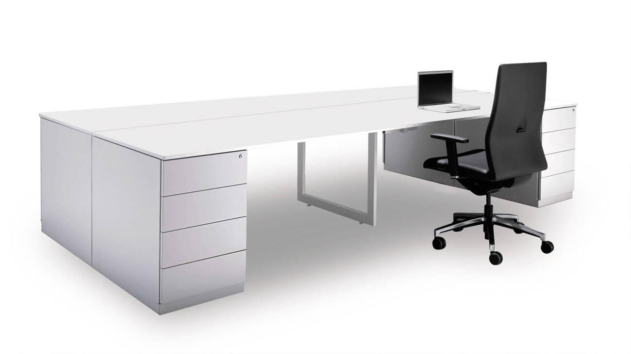 Mesa amplia y funcional